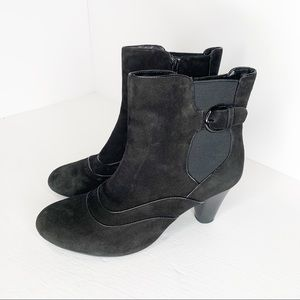 Clarks Bendable Black Leather Ankle Boots Size 10